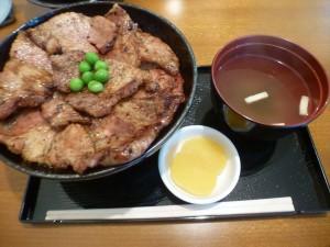 ブタヤ豚丼